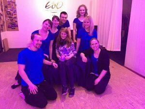 Mitglieder des Tanzvereins verabschieden Anne-Katrin