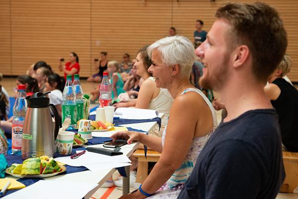 Jurymitglieder lachend beim Tanzfestival the royal knights 2019