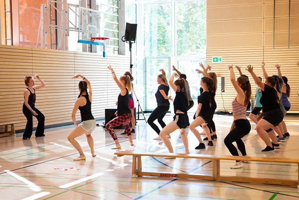 Tänzerinnen während des Tanzworkshop Jazz-Dance